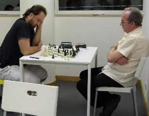 4a sessão: Alberto Eggert 0 - Carlos Carneiro 1